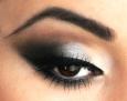 silver-grey-eyeshadow-s